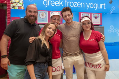 Chillbox frozen yogurt Greece Βαγγέλης ΚακουριώÏ